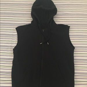 Black Sleeveless H & M Hoodie. Sall